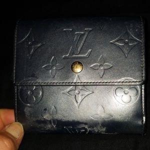Damaged ! Authentic Louis Vuitton Elise wallet